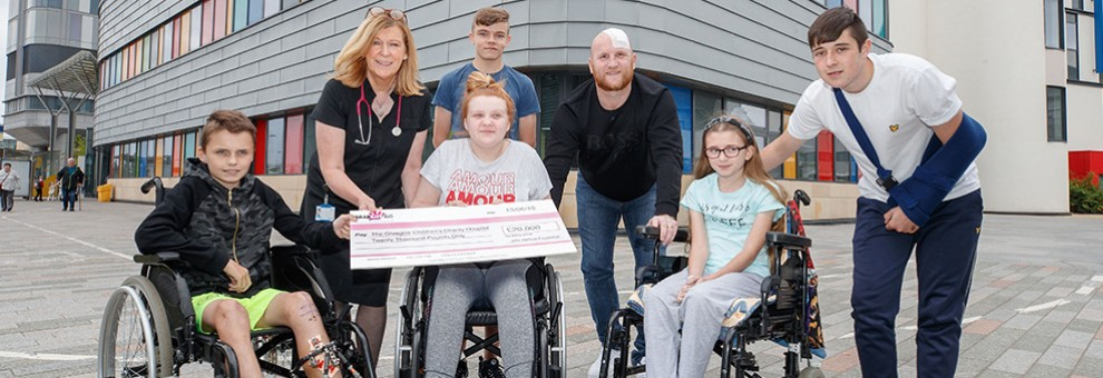 Glasgow Children's Hospital receives £20,000 donation from JHF